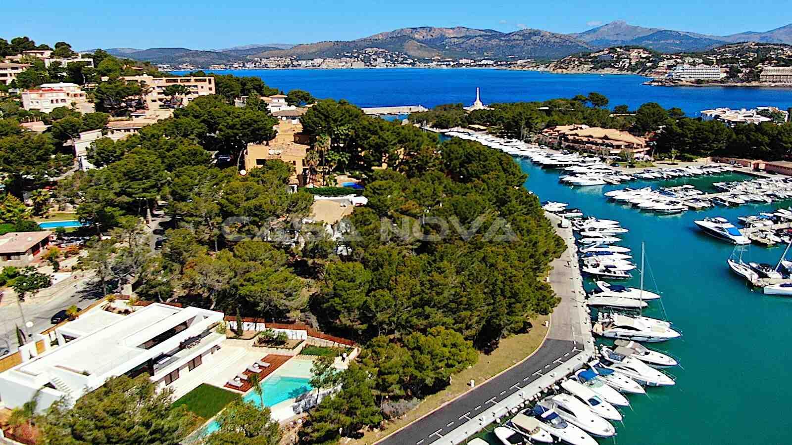 Toller Weitblicküber Santa Ponsa und die Hafenumgebung