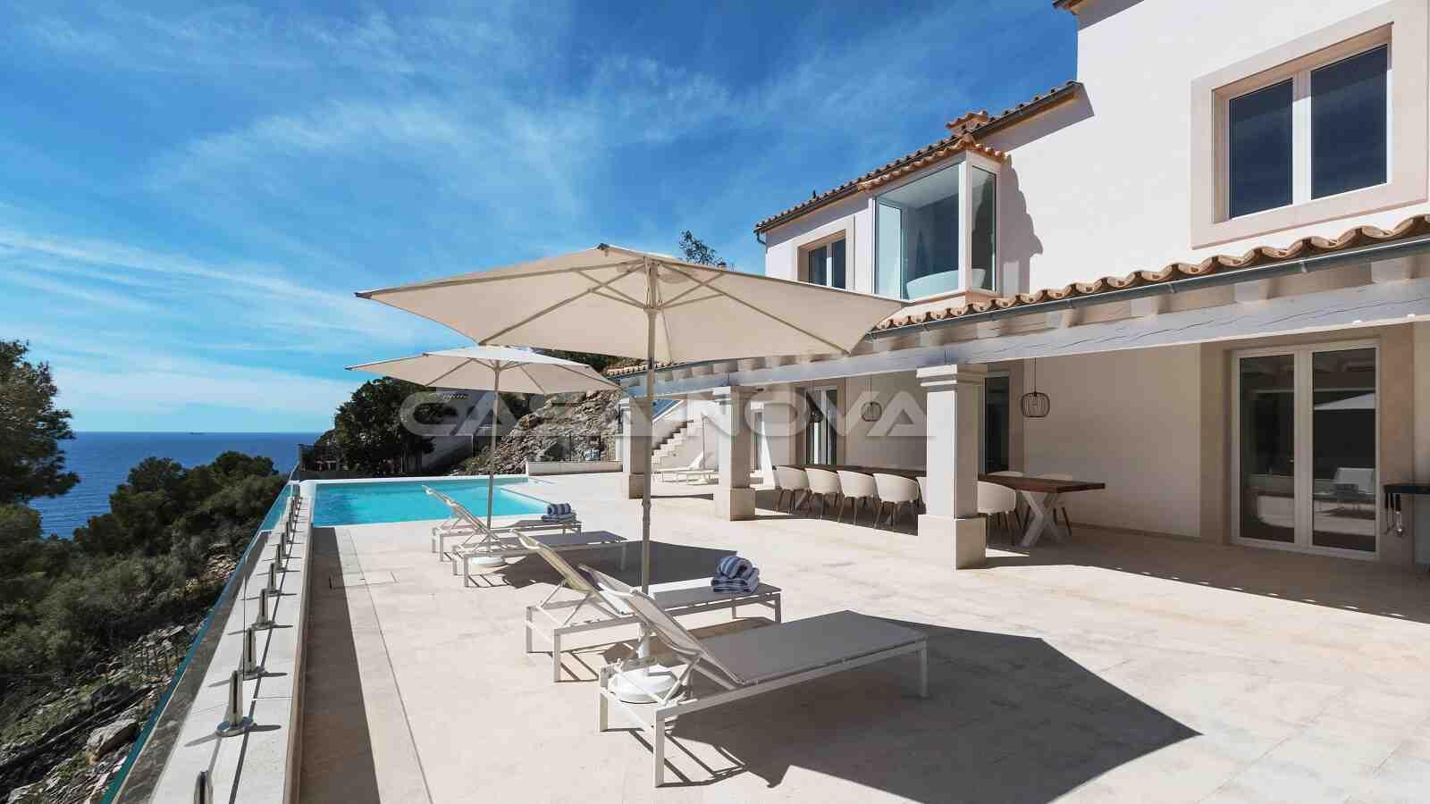 Hochwertige Neubauvilla mit Pool und Meerblick