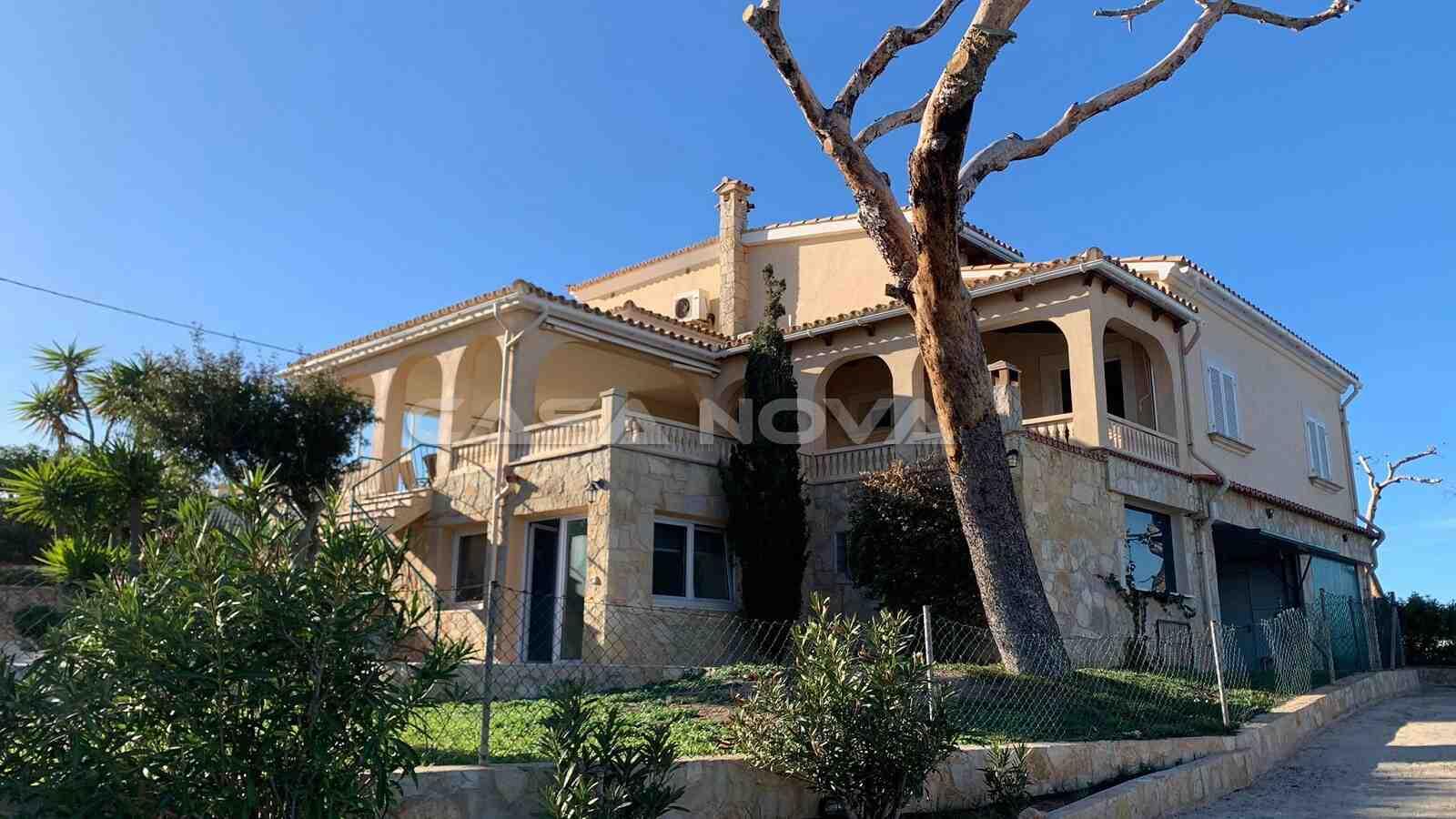 Villa in 2. Meereslinie mit separatem Grundstück und Teilmeerblick