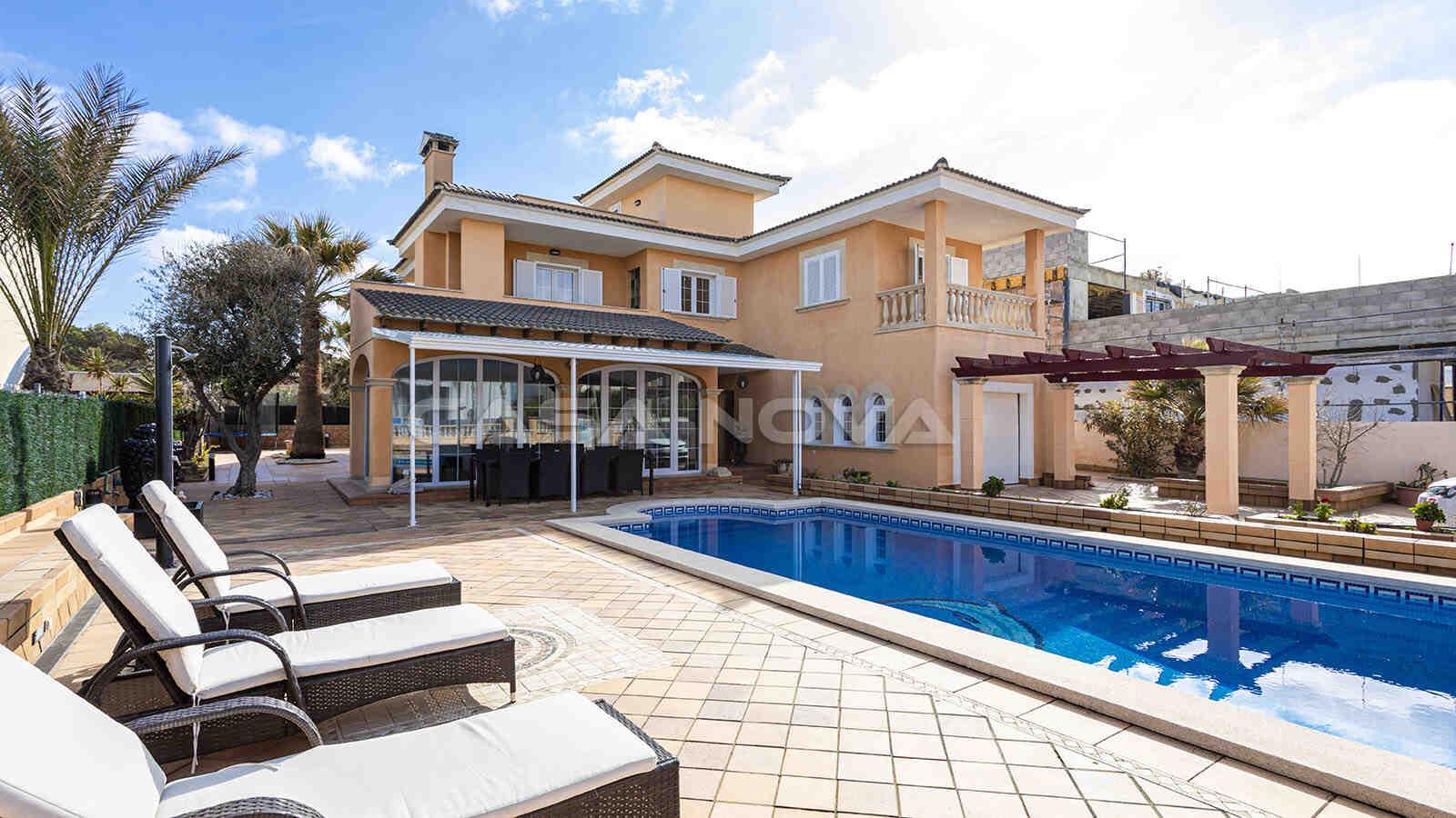Mallorca Villa mit Pool in sehr exklusiven Wohngegend