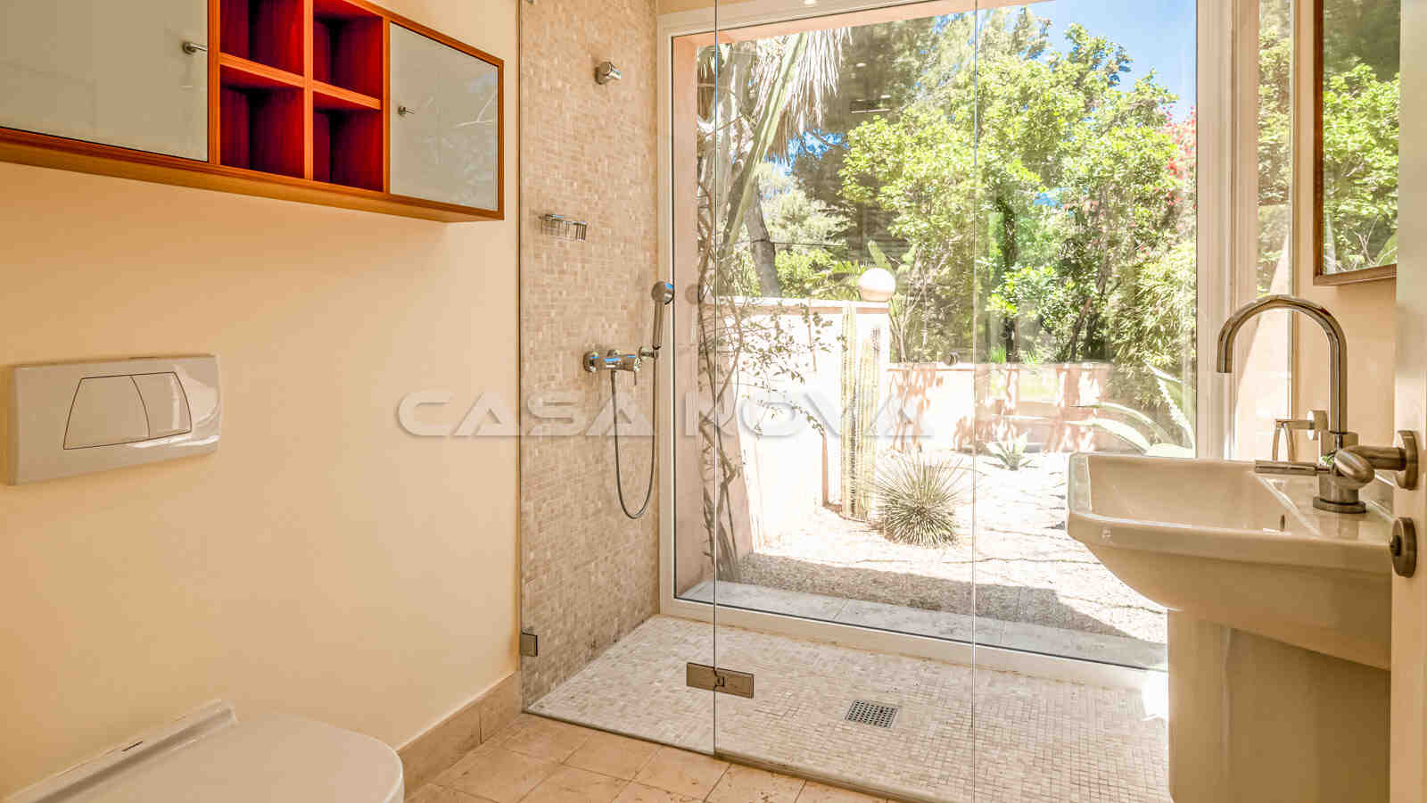Beeindruckende Architekten- Villa mit mediterranem Flair
