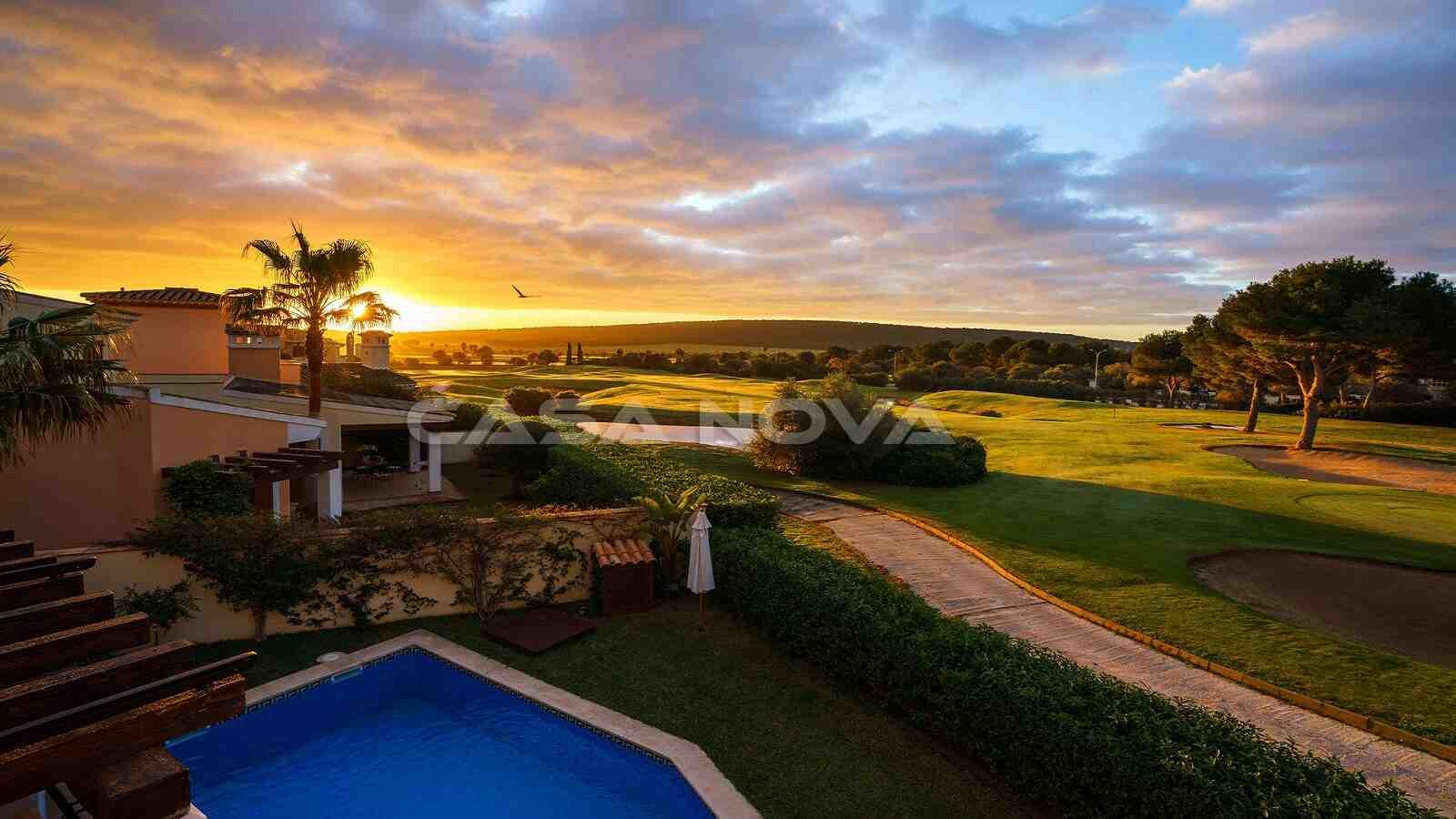 Attraktive Mallorca Villa in 1. Linie zum Golfplatz