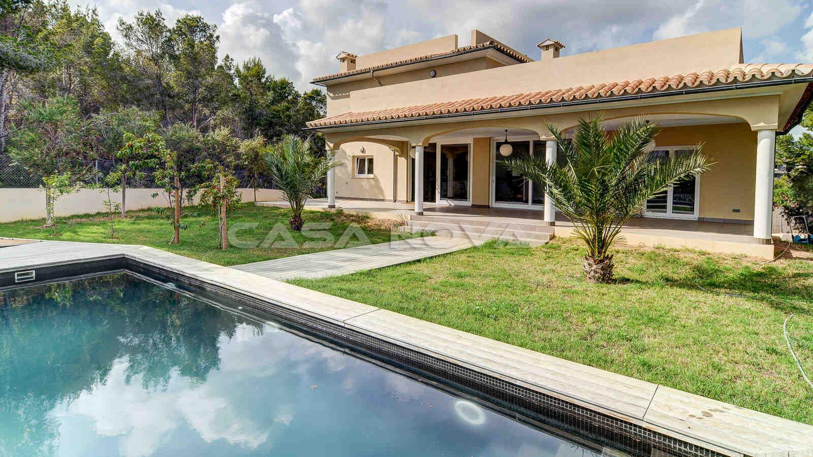 Traumhafter, sehr gepflegter Garten mit Pool der Mallorca Villa