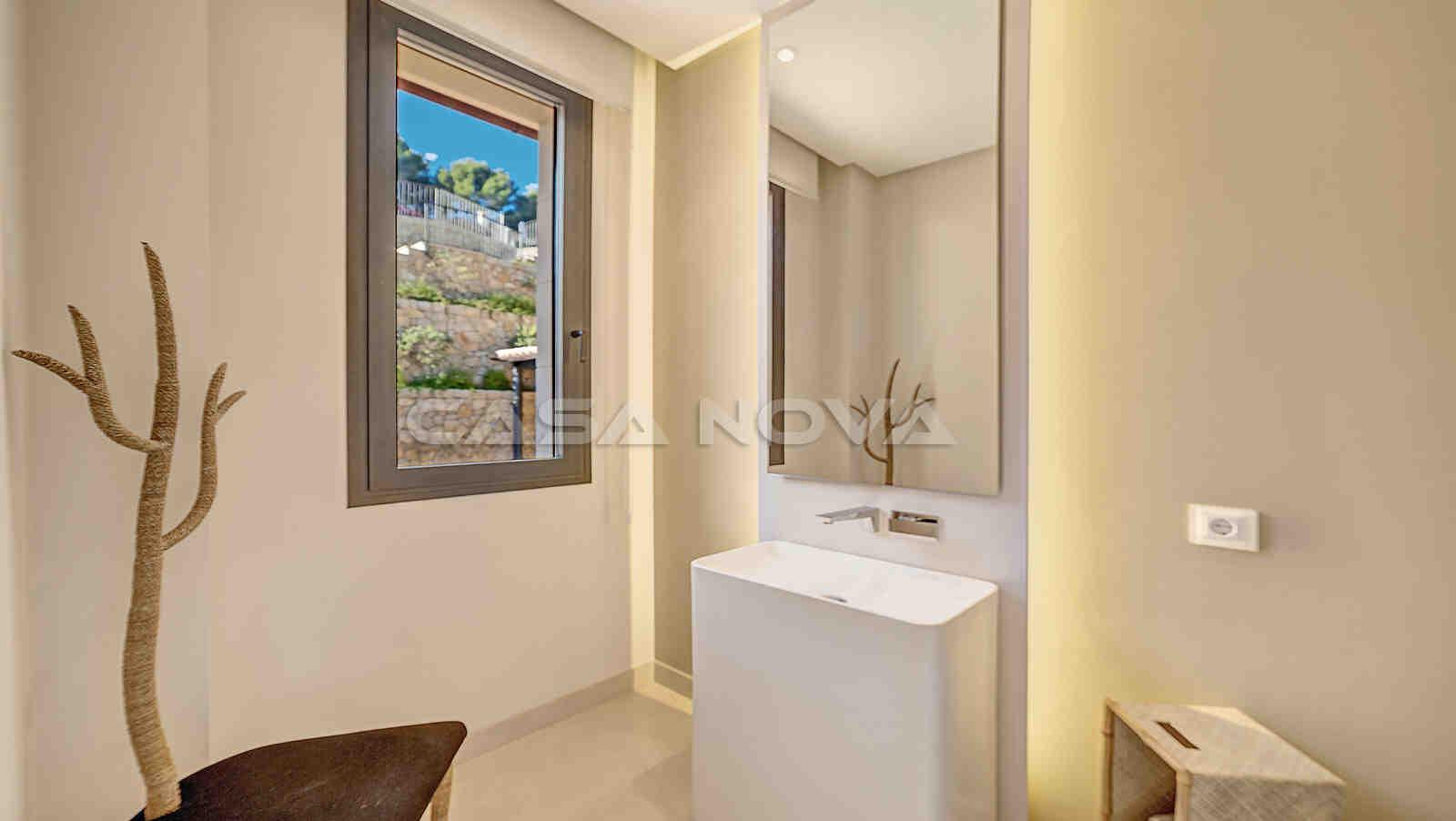 Charmantes Gäste- WC mit moderner Ausstattung