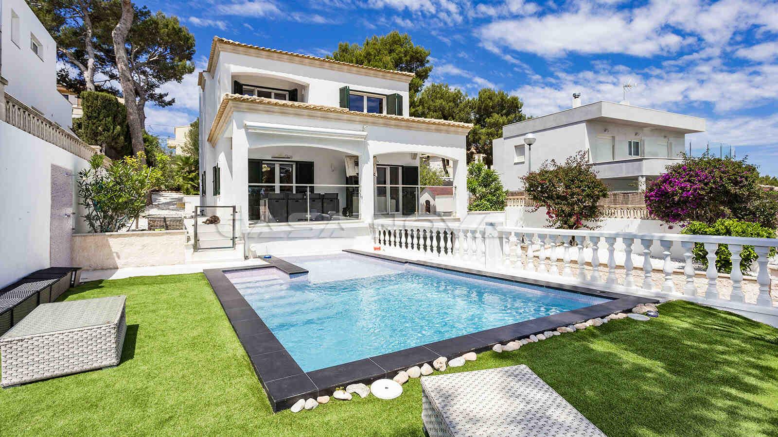 Moderne Mallorca Villa mit Pool in Traumlage