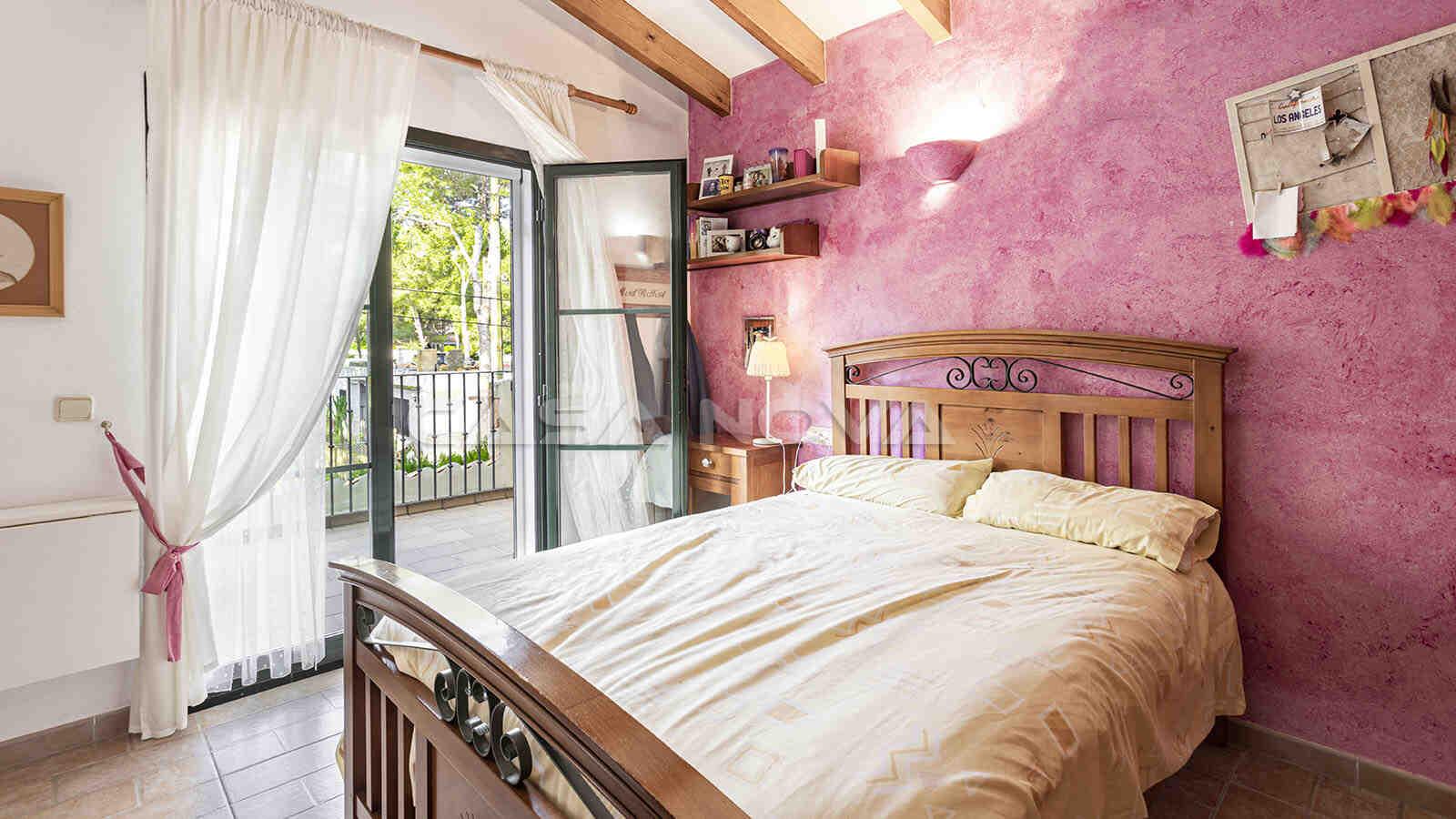 Drittes Schlafzimmer mit Terrassenzugang