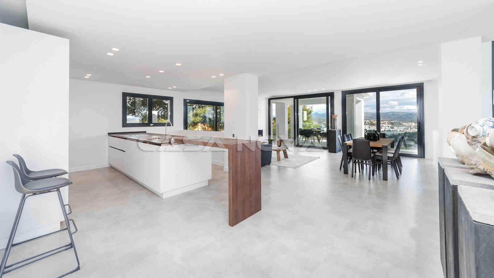 Ref. 2402254 - Großzügige Einbauküche mit moderner Ausstattung