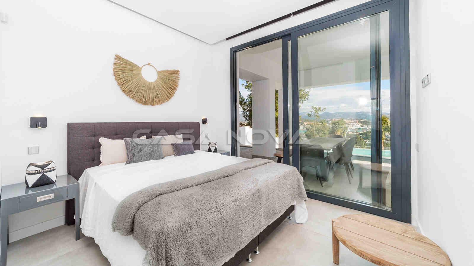 Drittes Schlafzimmer mit Zugang zum Außenbereich