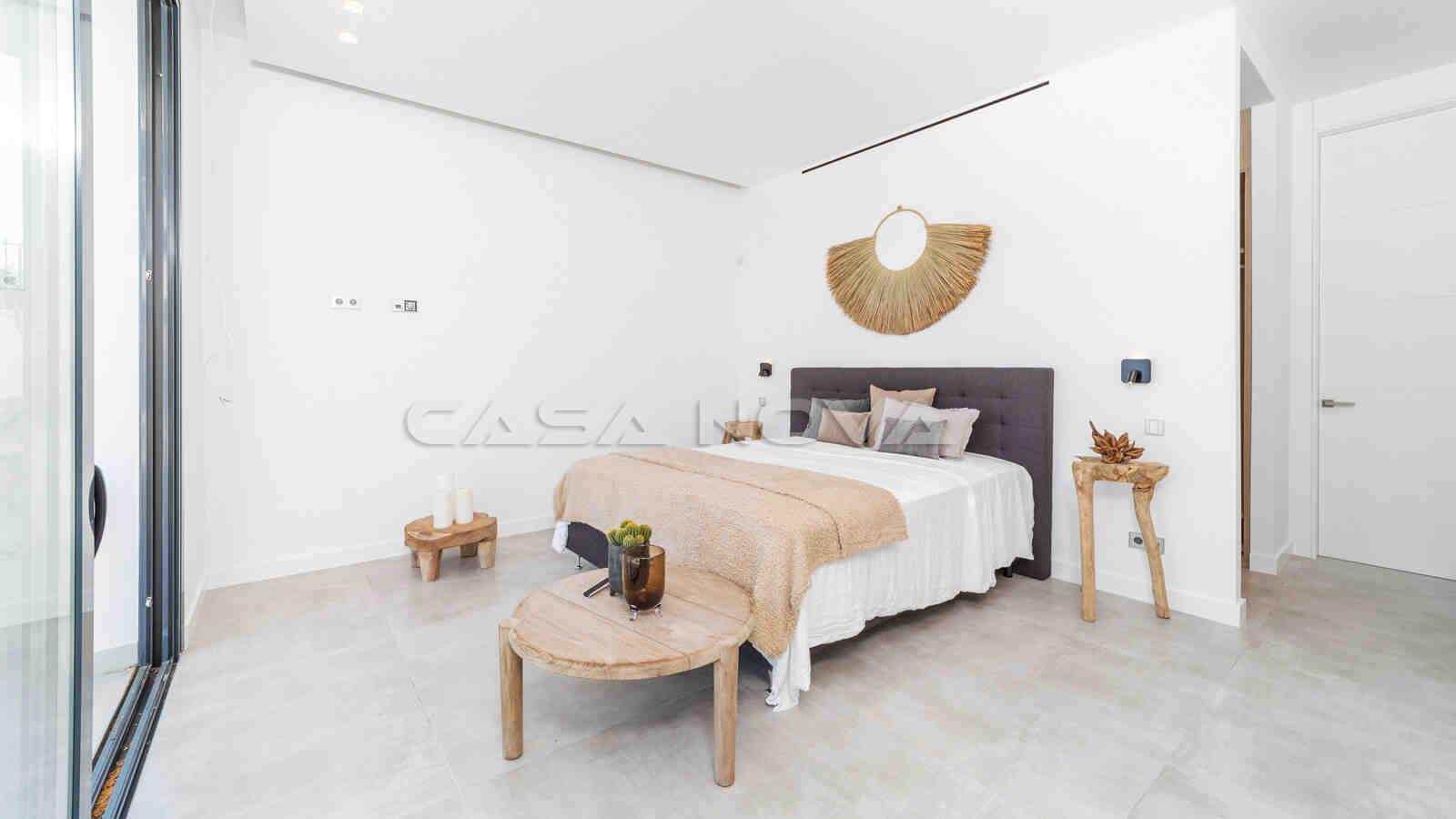 Zweites Schlafzimmer mit Einbauschränken