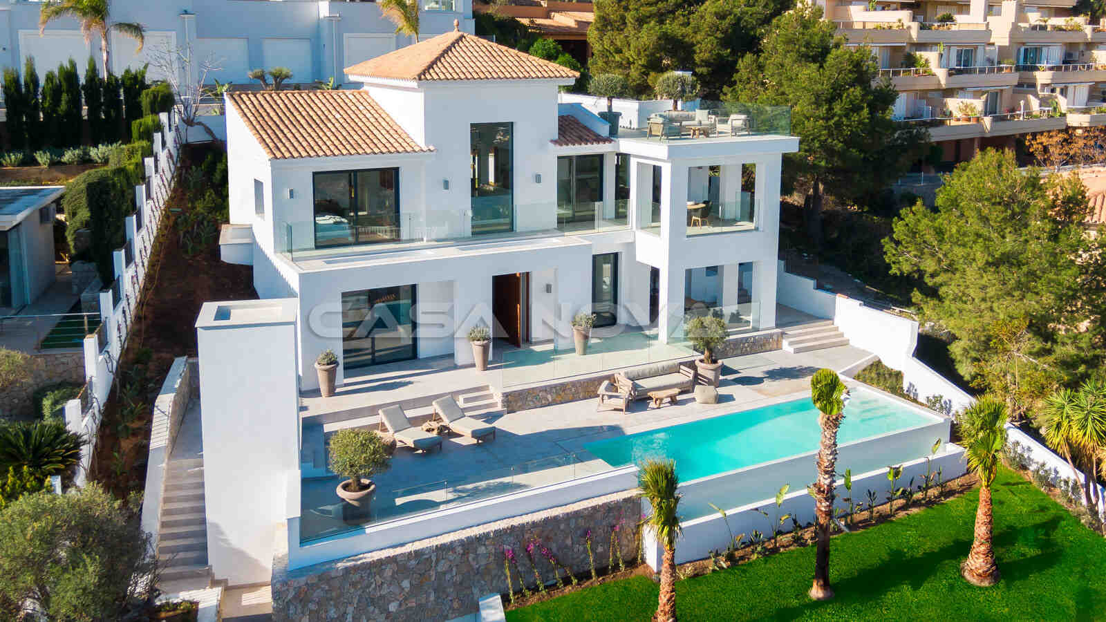 Luftaufnahme der modernen Mallorca Villa
