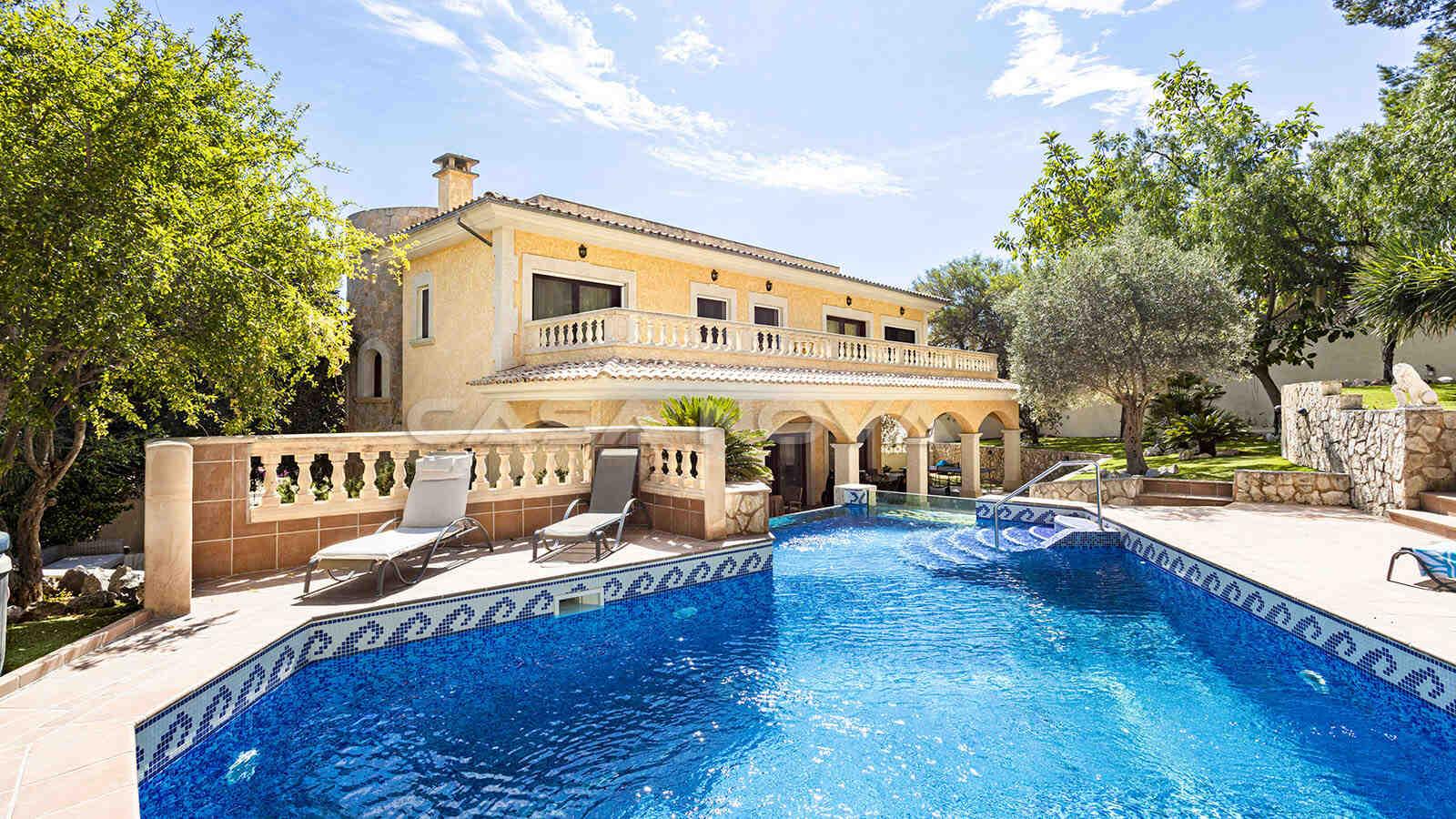 Mediterrane Mallorca Villa mit Sonnenterrasse und Pool