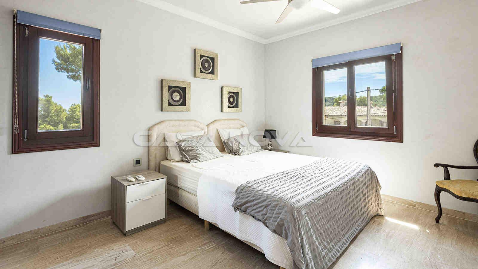 Drittes Doppelschlafzimmer mit Blick in die Umgebung