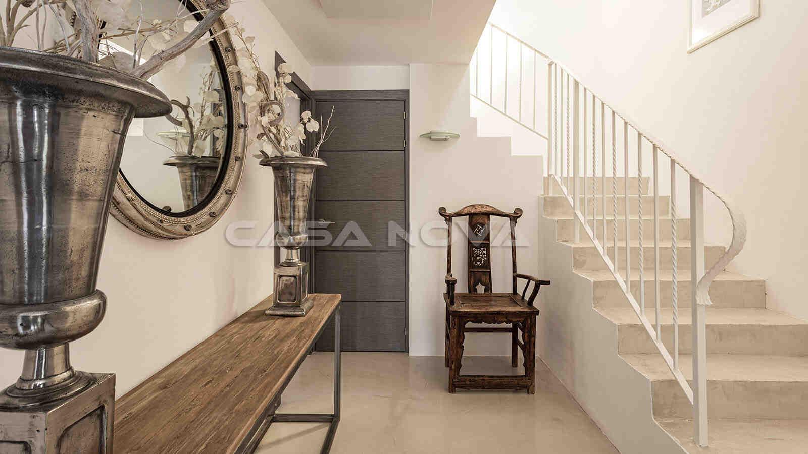 Eingangsbereich der Villa mit luxoriöser Ausstattung