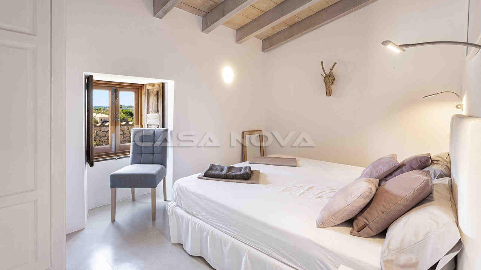 Drittes Doppelschlafzimmer mit Holzbalkendecken