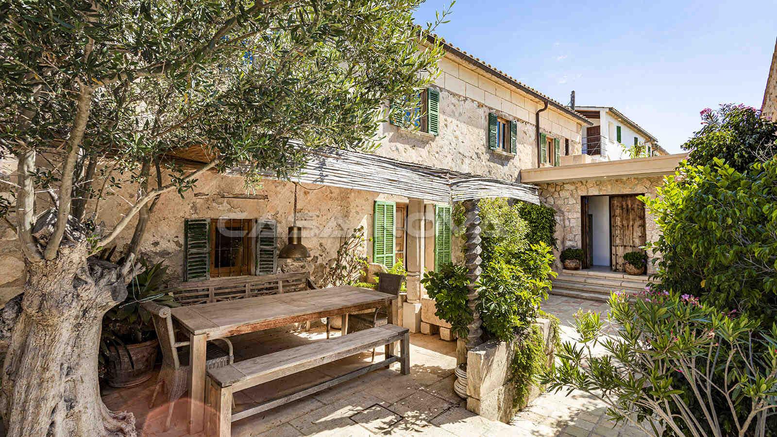 Renovierte Dorfvilla im mediterranem Stil
