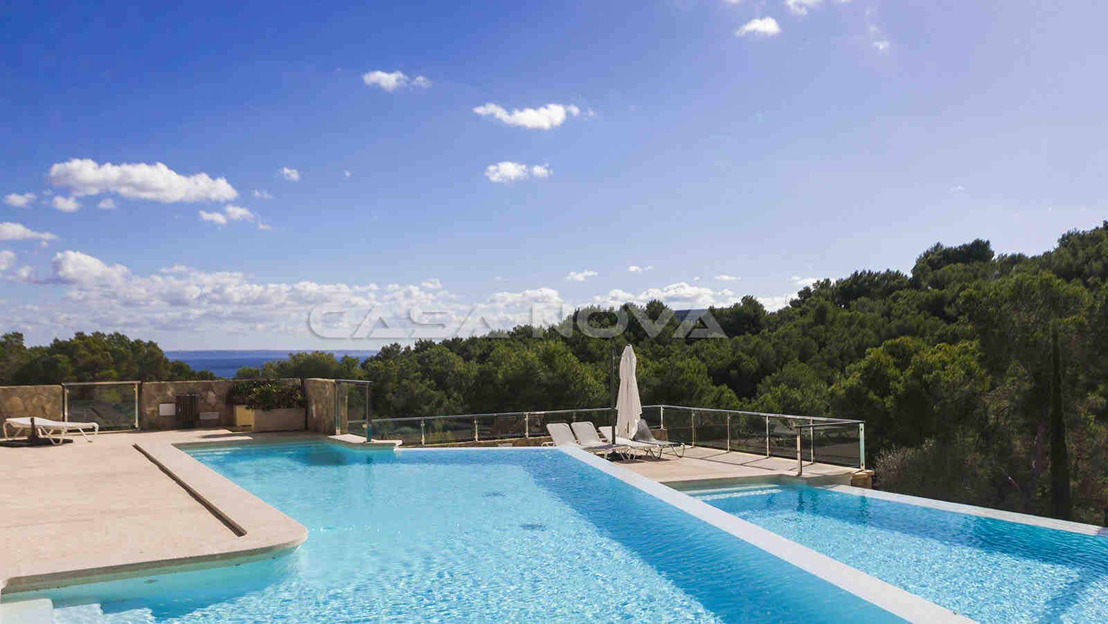 Gemeinschaftspool der exklusiven Wohnanlage in Sol de Mallorca
