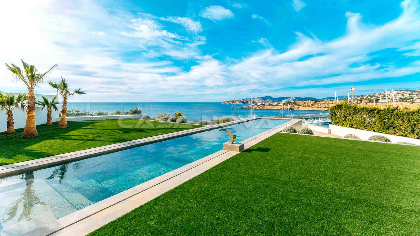 Spektakulärer Aussenbereich mit Infinity- Pool der Mallorca Immobilie