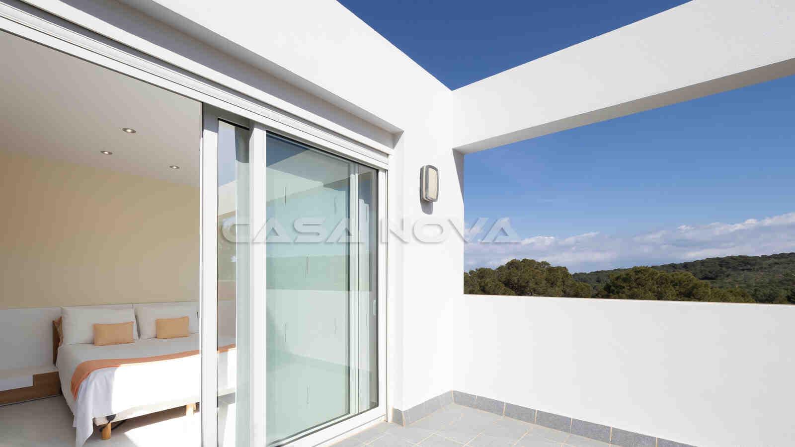 Lichtdurchflutetes Doppelschlafzimmer mit Terrassenzugang