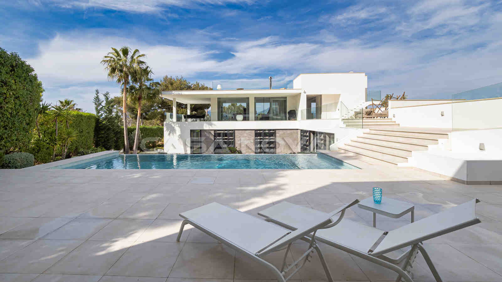 Hochmoderne Mallorca Villa mit Gästehaus
