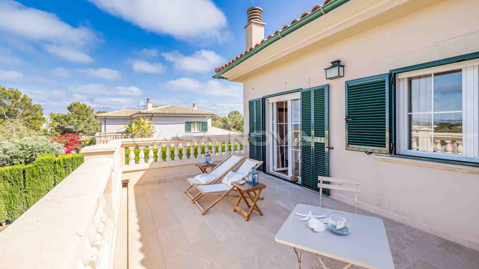 Private Terrasse des Hauptschlafzimmers