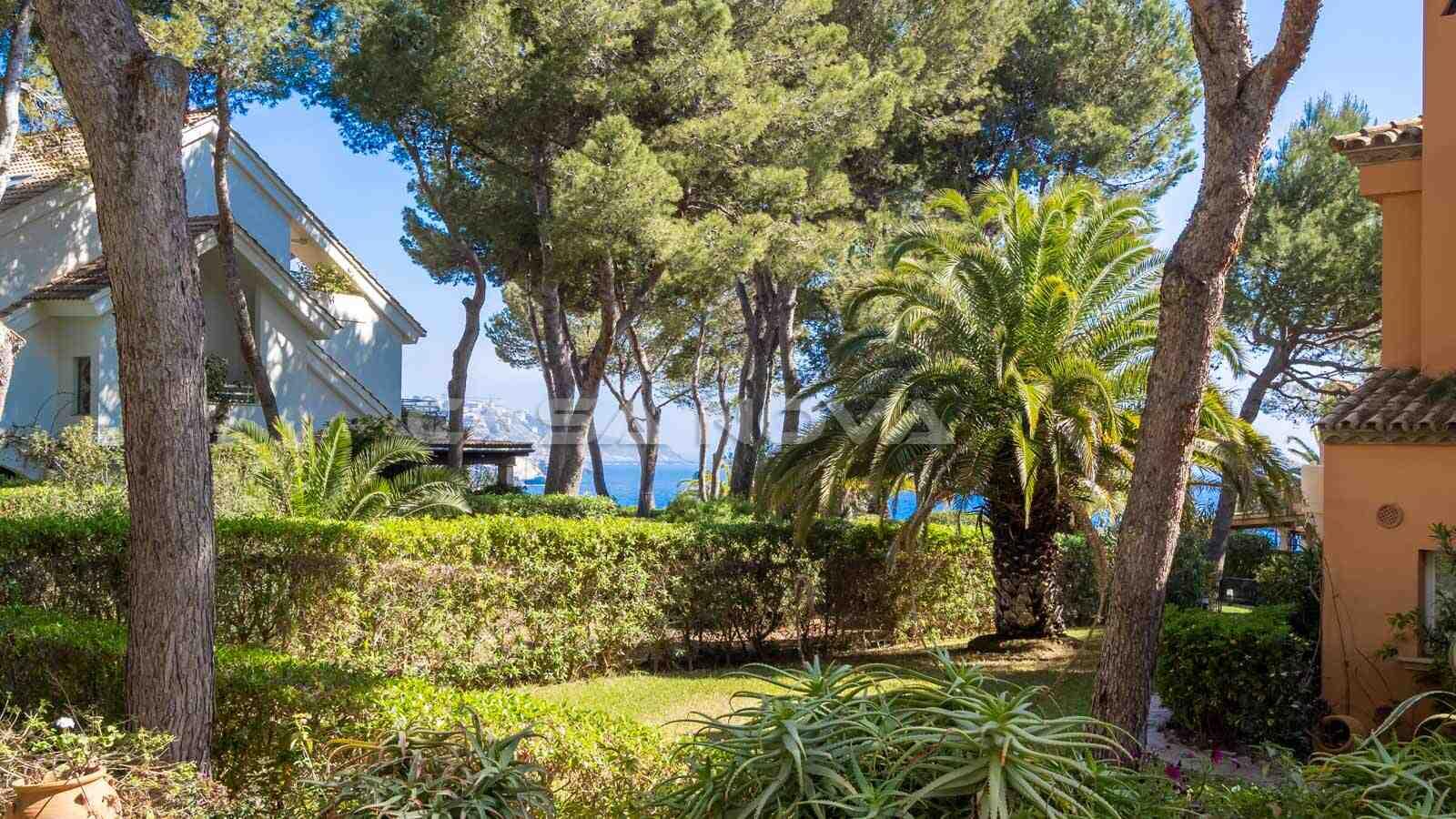Teil- Meerblick vom Garten der Mallorca Immobilie