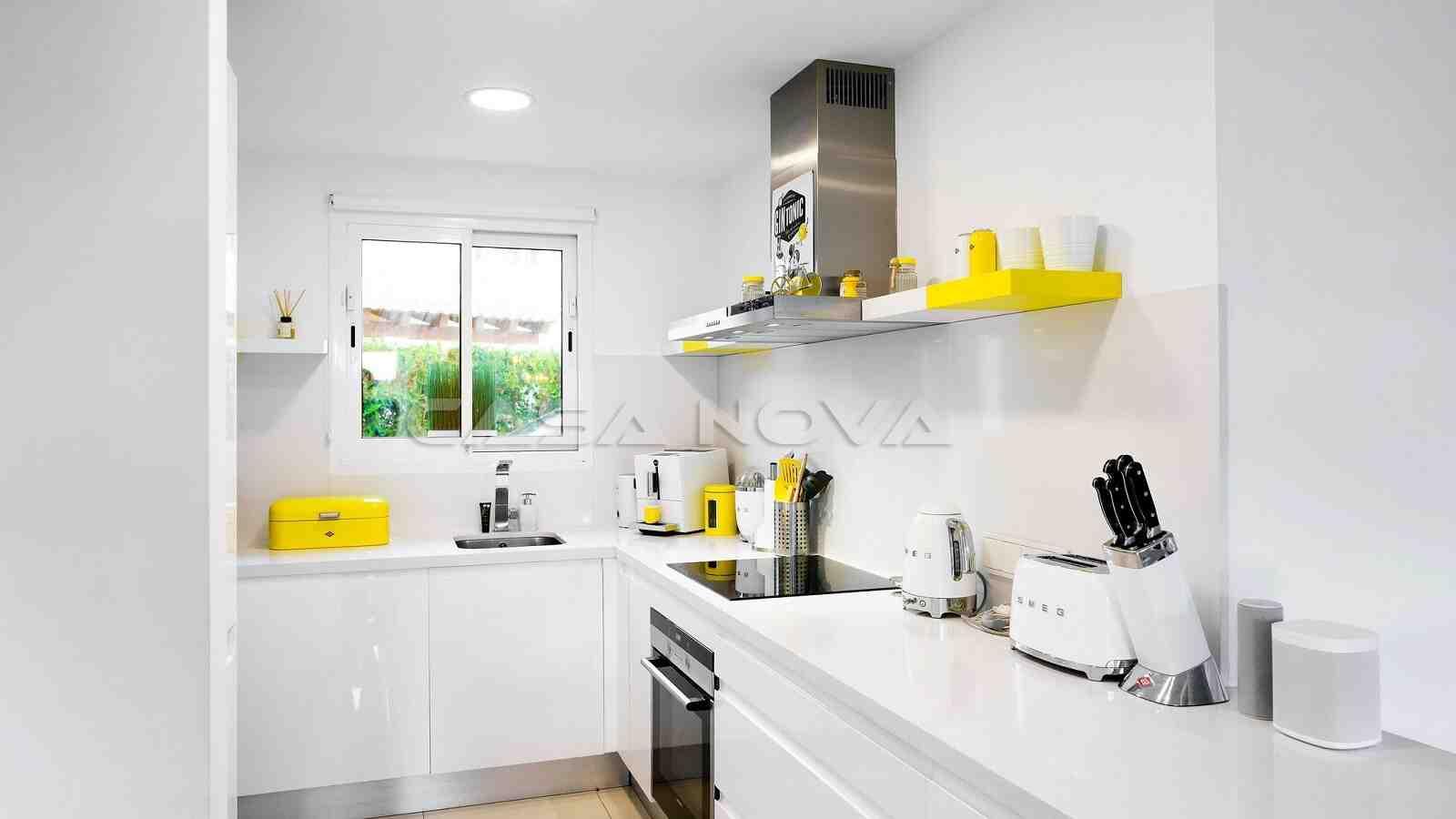 Ref. 2303031 - Vollausgestattete Einbauküche mit Elektrogeräten