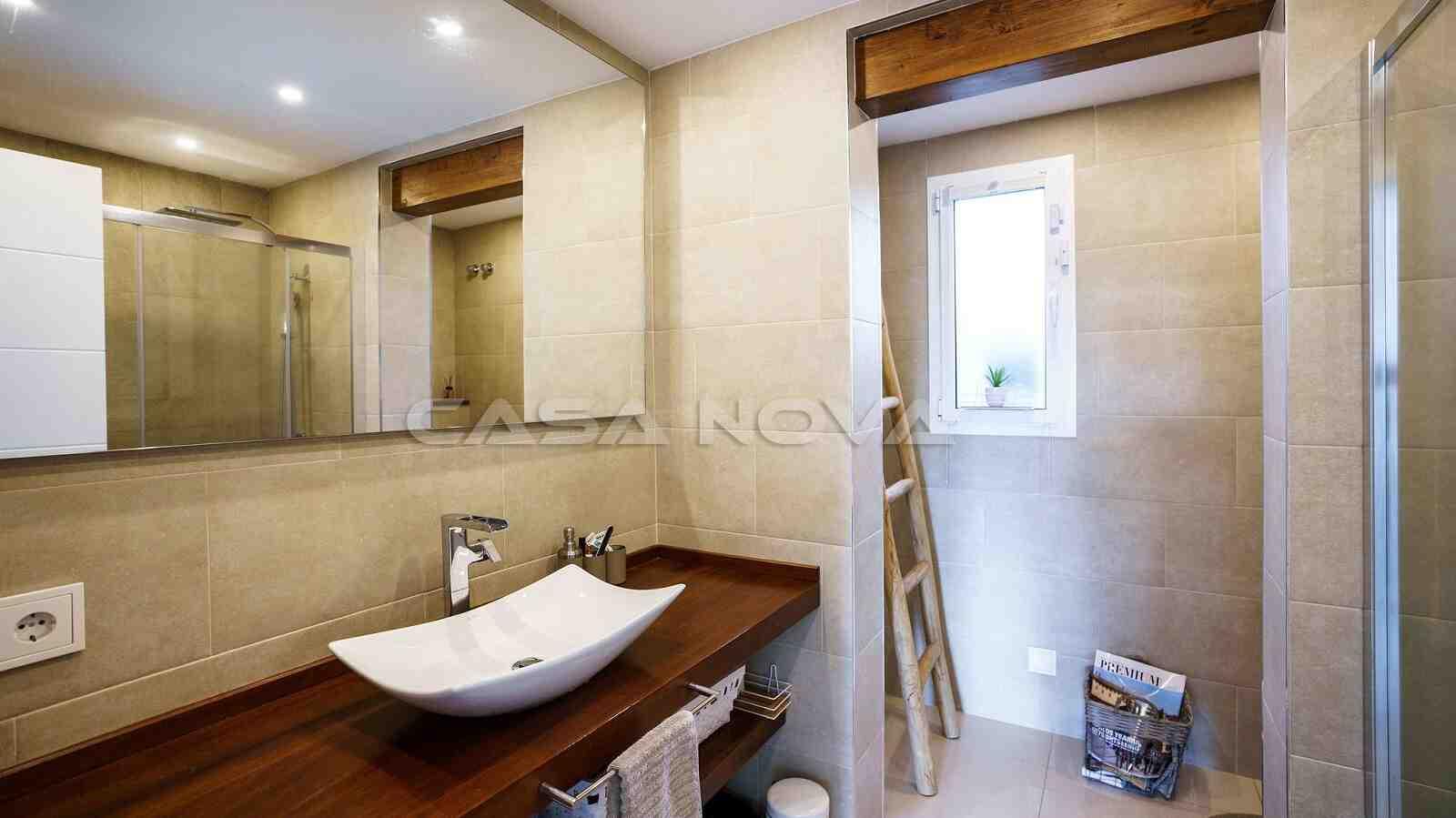 Ref. 2303031 - Hochmodernes Badezimmer mit Glasdusche