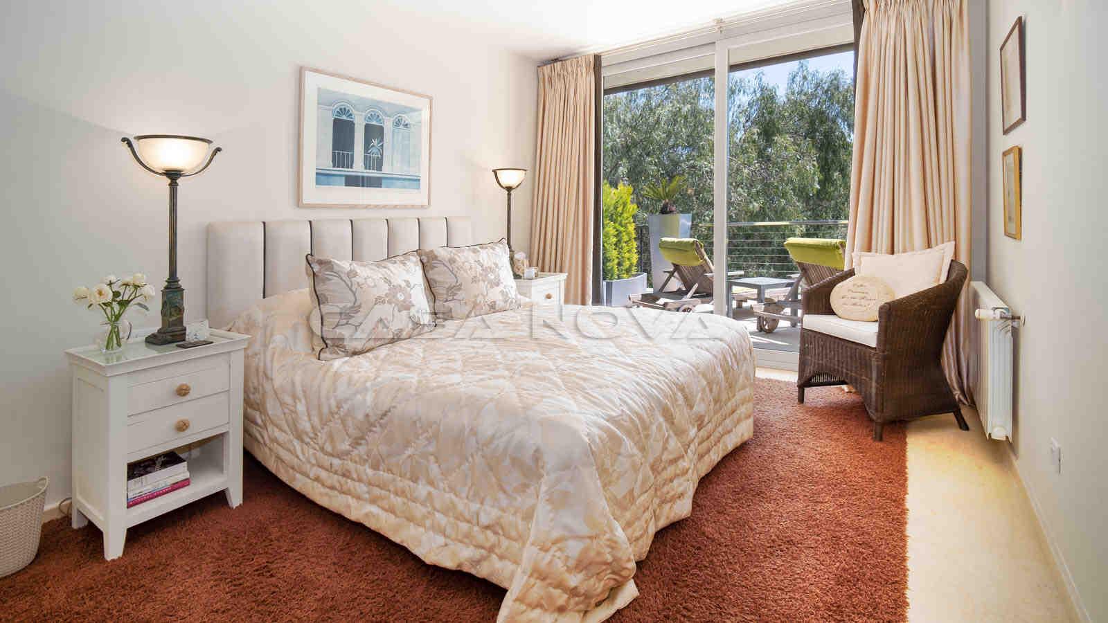 Weiteres Doppelschlafzimmer mit Balkon