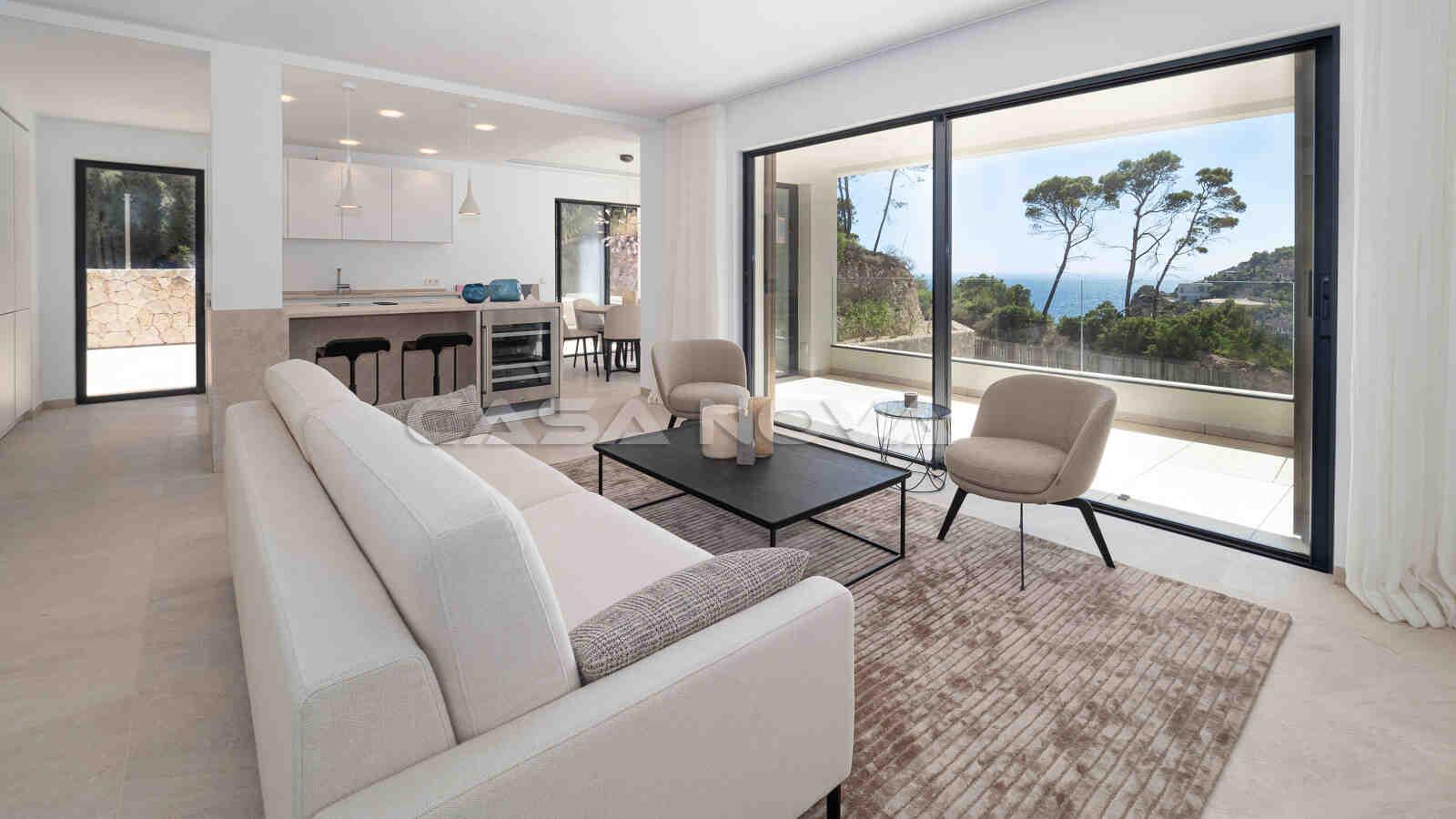 Modernes Wohnzimmer mit Terrassenzugang
