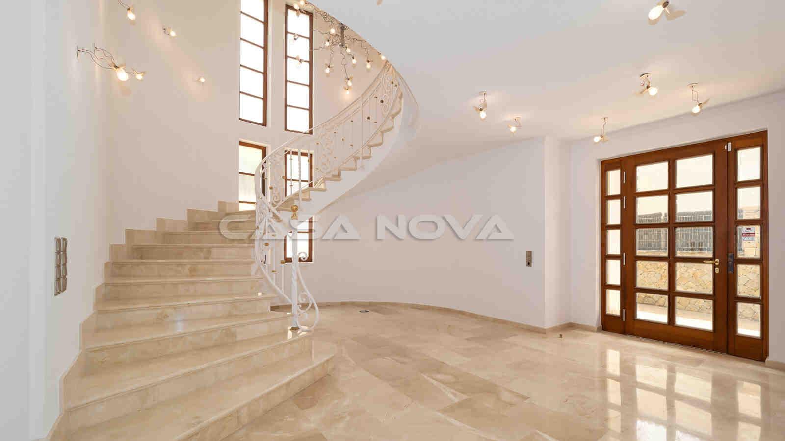 Villa mit klassischem Charme und fantastischem Meerblick