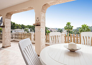 Doppelhaushälfte Mallorca mit Pool und tollem Ausblick