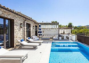 Mediterrane Villa im Fincastil miit Ferienvermietungslizenz