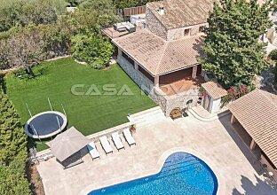 Villa im Fincastil mit viel Charakter und malerischem Landschaftsblick